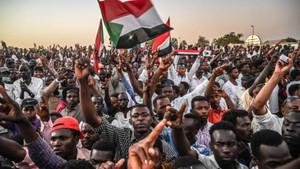 Sudan'da büyük kriz