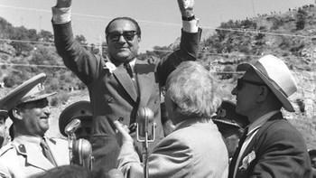 Adnan Menderes Topkapı'daki Anıt Mezar'da anıldı