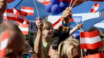Avusturya'daki seçimleri yeniden Kurz kazandı