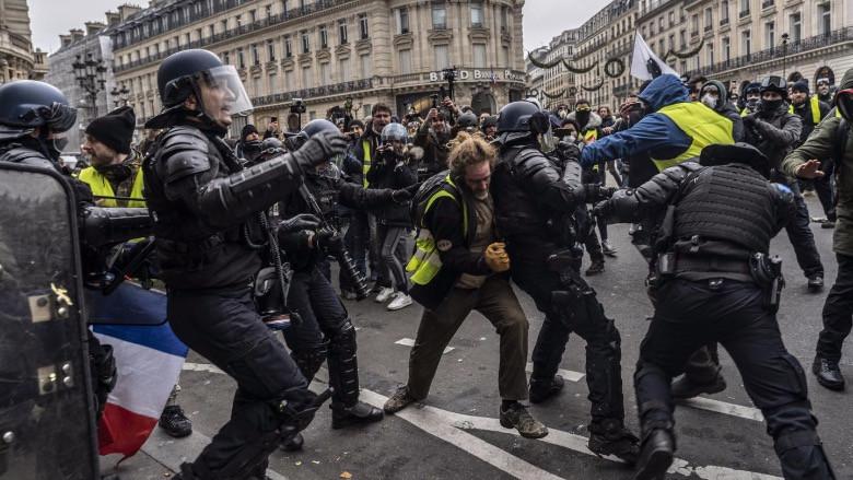 Sarı yelekliler ve Batılı medya organlarının protestolara yaklaşımı