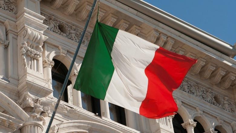 İtalya'da hükümet ortakları arasında ipler koptu