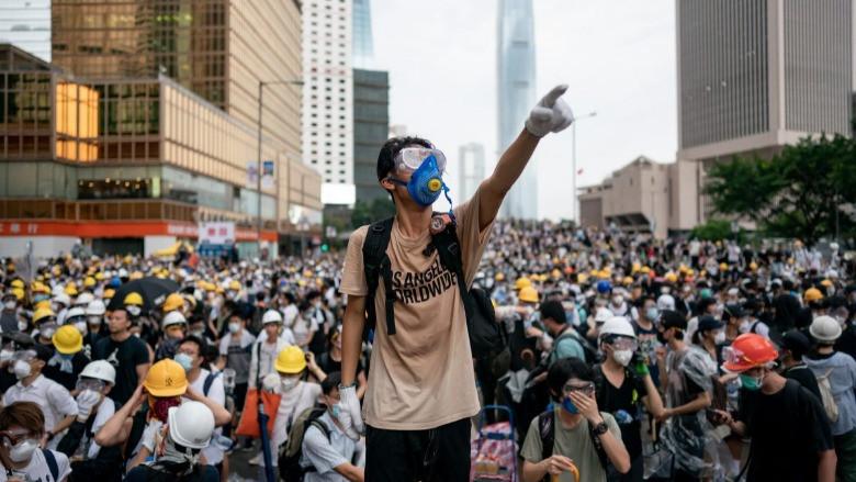 Hong Kong'u ayaklandıran yasa tasarısı