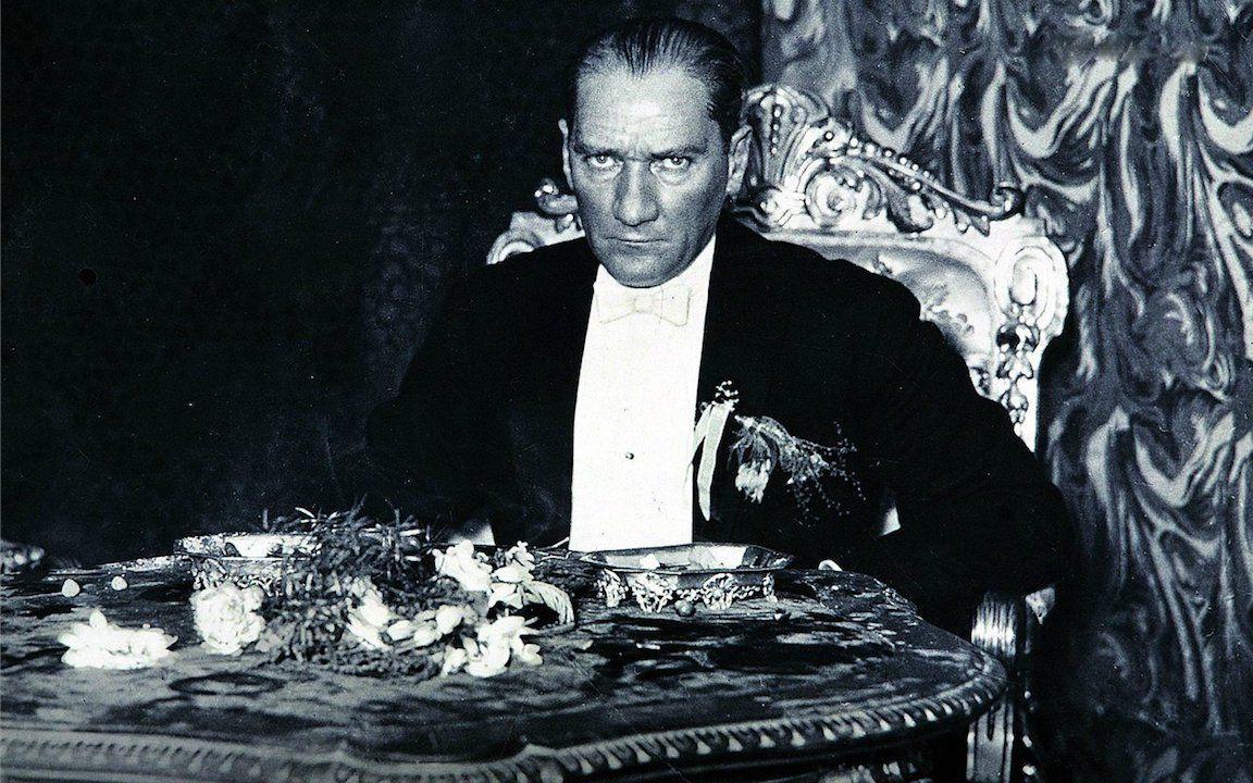 Atatürk sevgisi 81 yıldır artarak devam ediyor - Sayfa 2